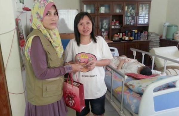 Sumbangan Goodies Bags dan Duit Raya kepada Pesakit Kanser Kanak-Kanak Yang Sedang Dalam Rawatan di PPUKM Semasa Ramadhan 2016